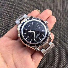 Relógio automático de cavalheiro on-line-2019 novo luxo mecânico dos homens 300 mestre coaxial 41mm automático relógio de cavalheiro relógio James Bond 007 espectro esporte cronômetro dos homens 1