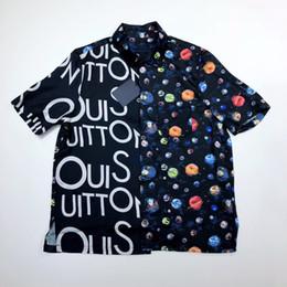 19SS Galaxy Starry Sky Splice camisa con mangas cortas Hombres y mujeres Moda Camisa de lujo transpirable con mangas cortas HFSSCS002 desde fabricantes