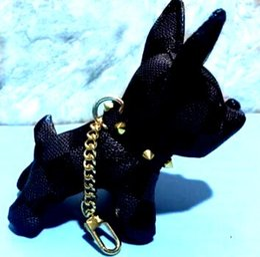 Vecchi portachiavi online-Accessori moda Vecchio bulldog in pelle fiore portachiavi stile punk Cuoio in pelle animale cane immagine portachiavi accessori bagaglio ciondolo stile L