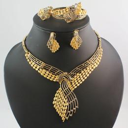 2020 gros bijoux de fantaisie en or Ensembles Mode africaine bijoux fantaisie ensemble couleur cristal d'or Chunky Collier Bracelet Boucles d'oreilles Bague promotion gros bijoux de fantaisie en or