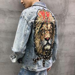 homens denim jaqueta bordada Desconto YASUGUOJI Novo 2019 Estilo Punk Moda Leão Patch Bordado Patchwork Jean Jaqueta Homens Jaquetas Jeans Streetwear Buraco Jaqueta Masculina