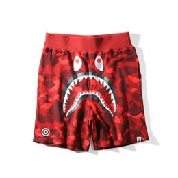 Nuevos tipos de pantalones de hombre online-2019 Nueva marca de verano de camuflaje tipo de dibujos animados de los hombres pantalones casuales juveniles pantalones cortos sueltos pantalones de hombre para hombre diseñador de prendas de vestir ropa streetwear