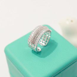 2019 paso de oro Anillo de fiesta con forma cuadrada y hueco con anillos de compromiso de diamantes reales de la reina Anillo de boda de oro blanco paso de oro baratos