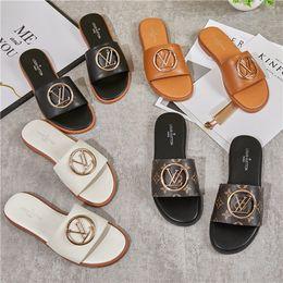 2019 estate nuove pantofole sandali di progettazione top di lusso all'aperto ciabatte da spiaggia femminile di grandi dimensioni femminile pelle di alta qualità da scarpe da lavoro casual uomini fornitori