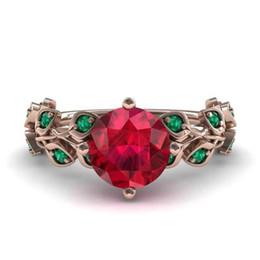 Ouro cheio rubi anel on-line-Lindo Rose Gold Filled Rodada Cut Ruby Mulheres Anéis de Coquetel Natural Gemstone Rose Gold Diamond Pedras Laterais Anel de Noivado