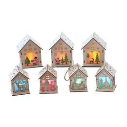 Adornos de casa online-Festival Led Light Wood House Decoraciones para árboles de Navidad para el hogar Adornos colgantes Holiday Nice Xmas Gift Wedding Navidad 2020
