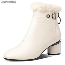 2019 botas de invierno de gran tamaño para mujer Botines de cuero genuino para mujer Tacones altos redondeados Oficina damas Zapatos Mujer Invierno cálido Botas de nieve Tamaño grande 34-42 rebajas botas de invierno de gran tamaño para mujer