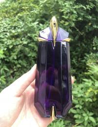 2019 elegante parfümflaschen MARKENVERKAUF 90ML Elegante Dame Parfüm Einzigartige Form Bernstein Langlebiger Duft Flasche Glas Parfüm Weibliche Parfüm Flüssigkeit Antitranspirant CZ168 günstig elegante parfümflaschen
