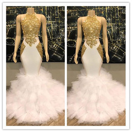Image blanche de t shirt en Ligne-Superbe Halter Gold et robes de bal blanc Ruffles Tulle vraies photos sirène formelle robes de soirée cocktail Robes de soirée