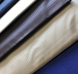 telas con estampado de cera al por mayor Rebajas Blackwin Atiku cordón africano para los hombres Paño Atiku Tejido 100% algodón material 10 yardas por pieza 10 colores de la mezcla Diferencia Diseño