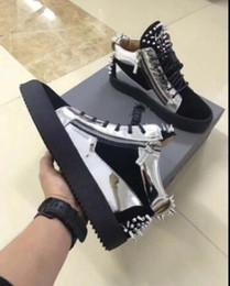 sneaker in cerniera con cerniera Sconti SCARPE RUNNING NERE DA DONNA NUOVE DONNE SCARPE RUNNING NERE UOMO Scarpe con cerniera alta guida Giunzione Scarpe1