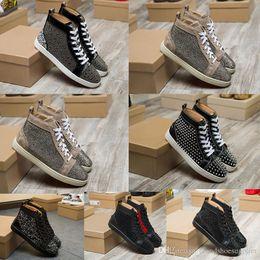 2019 zapatos clavados hombres Los zapatos planos del mejor clavo remache zapatillas de deporte inferiores rojos de cuero del rhinestone de modelos de zapatos de los hombres y las mujeres del diseñador del partido zapatos deportivos amantes ocasionales s rebajas zapatos clavados hombres