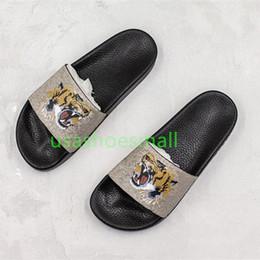 2019 logo chaussons {Original Logo} 2019 new Big Size Femmes et Hommes Couple Chaussons Tongs Slide Sandales Chaussures Printemps Livraison Gratuite taille35-45 promotion logo chaussons