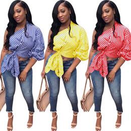 2019 Nuove donne estate strisce verticali Top Skew Neck Three Quarter Sleeve Tie Up Hem Casual Fashion Bow Camicette Camicie supplier tie up top da cravatta in alto fornitori