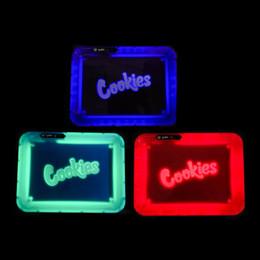 Bandejas de fumar on-line-LED Bandeja Do Rolling recarregável de incandescência iluminado iluminou brilho a bandeja rolo de metal Azul Verde Roxo Vermelho 4 cores para Smoke Brilho Tray