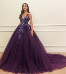 Vestidos De Fiesta De Quinceañera Glamorosa De Color Púrpura 2019 Lentejuelas Cuello En V Profundo Apliques De Encaje Niñas Vestidos De Fiesta
