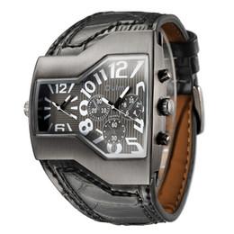 Oulm composer une montre en Ligne-2019 Oulm Marque Quartz Homme cadran carré Sport Montres-bracelets multiples du fuseau horaire Mens Designer Montres Hommes Montre