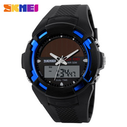 Reloj de cuarzo de energía solar online-SKMEI Solar Energy Solar Power Watch LED Digital Quartz Relojes deportivos a prueba de agua Reloj para hombre al aire libre Reloj para hombre Relojes de pulsera