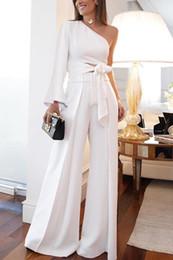 Um terno de vestido do ombro on-line-Branco duas peças vestido de festa de um ombro calça terno vestido de baile com zíper de volta celebridade vestidos de noite barato