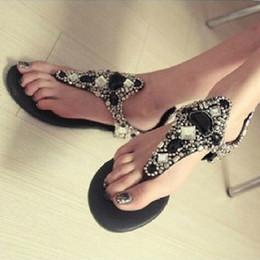 Tipos de sandalia online-2019 nuevo tipo de taladro de agua plano con sandalias de punta plana sandalias de mujer de moda de fondo plano