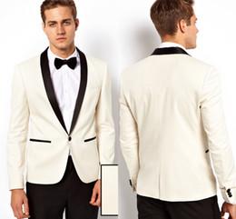 Yeni Beyaz Slim Fit Erkekler Plaj Düğün Damat Smokin 2 Parça Suits Damat İyi Adam Balo Suits Giymek (ceket + Pantolon + papyon) nereden