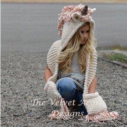 2020 cappelli di lana di animali dei capretti Articoli da regalo Cappellino Bambini Unicorn animali sciarpa di Natale Manuale Beanie di inverno Lana Filati Weave bambini Warm nappe Cap 31nw bb sconti cappelli di lana di animali dei capretti