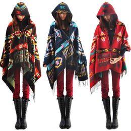 Eleganti poncho online-Boemia delle donne alla moda etnica stampato con cappuccio Cape Poncho Acrilico Lana sciarpa scialle delle ragazze di modo maglione con cappuccio Fringe Wraps # 30 Y191022