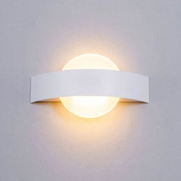 wall mounted bedside lamp Desconto Nordic cabeceira Wall Light Lua Aisle Sconce Wall Mounted Lamp LED Indoor Hotel Verranda Stair Lamp Branco