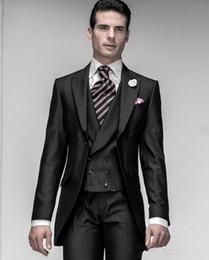 2019 schwarze glänzende hochzeitsanzüge New Shiny Black One Button Bräutigam Smoking Peak Revers Mens Blazer Hochzeitskleidung Prom Anzug (Jacke + Pants + Weste) XF216 günstig schwarze glänzende hochzeitsanzüge