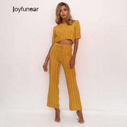 6db0ab458c4d0 Joyfunear Cep Beraberlik Dize Pantolon Ve Üstleri Örme Suit Sarı seksi  Parti Kadın Takım Elbise 2019 Çizgili Katı Iki Parçalı Set 2 ADET Set