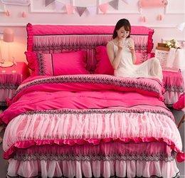 colcha reina rosa roja Rebajas Falda de la cama rosa colcha de encaje rojo romántico princesa duvet cover set Bedsheet fundas de almohada de boda del lecho de la reina Rey Tamaño