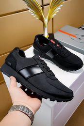 Nouvelle marque décontractée chaussures pour hommes en Europe et aux États-Unis style haut de gamme noir vent britannique chaussures de sport pour les jeunes tendance my889605 ? partir de fabricateur