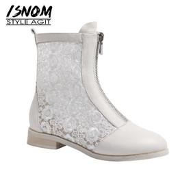 ISNOM натуральная кожа сапоги женщины Zip круглый Toe обувь кружева ботильоны женская мода низкие каблуки обувь Женщина весна 2019 Белый cheap lace white shoes low heel от Поставщики кружевные белые туфли на низком каблуке