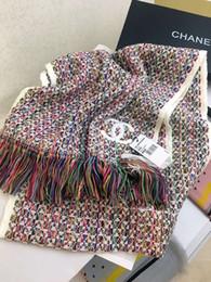 lo scialle di lana di modo di spessore Sconti 2019 nuove donne di lusso del progettista di marca di alta qualità sciarpe di colore classico della banda di modo scialle in maglia spessa frange strisce di lana sciarpa
