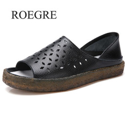 65b64fd55 Sandalias de mujer 2019 Nuevo verano de cuero genuino hecho a mano para  mujer Zapato Sandalias de cuero Mujeres Pisos Estilo retro Zapatos de la  madre
