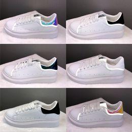 pieles zapatos para hombres Rebajas Alexander McQueen 2019 Negro Blanco Plataforma Casual serpiente marina de guerra roja de oro de la Piel Hombres Mujeres zapatillas de deporte de moda de lujo des Chaussures