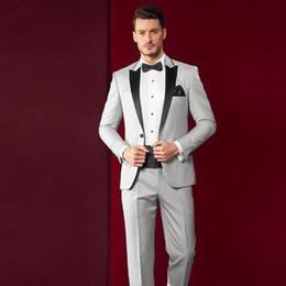 Moda Açık Gri Erkek Düğün Smokin Siyah Tepe Yaka Groomsmen Smokin Popüler Adam Blazers Ceket Mükemmel Suit (Ceket + Pantolon + Kravat) 1527 nereden