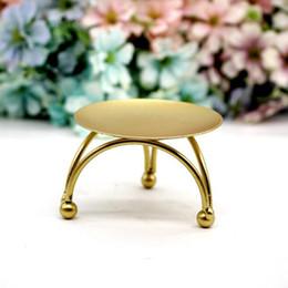 elfenbein teelichter Rabatt Eisen Kerzenhalter Runden Tisch Goldene Kerzenhalter für Party Hochzeit Ornament Europäischen Stil Kerzenständer ZC0683