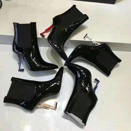 2019 туфли на каблуке 11 см Марка Дизайнер черные лакированные кожаные ботильоны Специальная форма каблука сексуальный шип Модные ботинки 11см 8.5см 7см размер 35/43 дешево туфли на каблуке 11 см