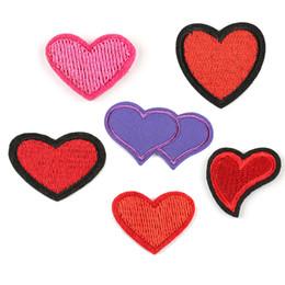 Amour rose vestes en Ligne-Patchs de broderie coeur rouge et rose amour coudre le fer sur Applique réparation bricolage Badge Patch pour enfants vêtements veste sac vêtement