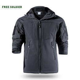 Максимальная одежда онлайн-FREE SOLDIER Outdoor sports camping hiking tactical softshell jacket men's warm water-resistant clothing large size