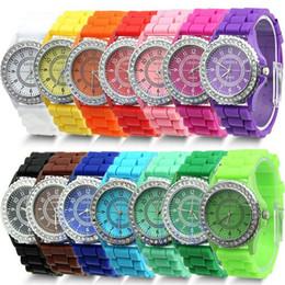 Genf süßigkeiten quarzuhr online-Marke Diamant Genf Uhren Silikon Streifen Armbanduhren Mode Candy Farbe Uhr Unisex Quarz Armbanduhren Für Männer Frauen Design Geschenk