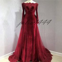 Vestidos de recepcion de boda baratos rojos online-Vestidos de boda del país rojo oscuro Bateau occidental Vestidos de novia de encaje de tul Aplique Vestido de recepción de boda de playa barato