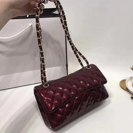 1266d09b9 Mujeres de lujo de doble solapa de la cadena bolsas de charol bolsos jalea  acolchada celosía bandolera bandolera Francia diseñador monedero
