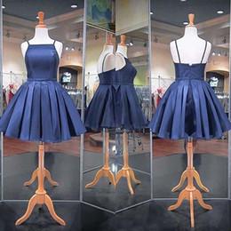 2019 robes bleu marine 2019 Robes De Cocktail À Bretelles Spaghetti Élégantes Une Ligne Marine Satin Bleu Court Mini Occasion Formelle Robes De Bal De Fête Sur Mesure Vente Chaude promotion robes bleu marine