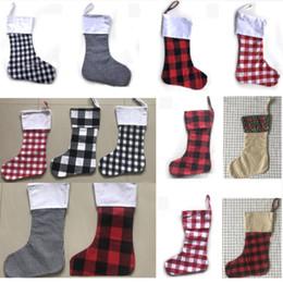 Árvores para crianças on-line-Decoração de natal Plaid Stocking Gift Wrap Bag Árvore De Natal Decoração Sock Personalizar Crianças Doces Sacos De Presente X-mas Meias WX9-1116
