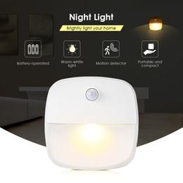 Baños automáticos online-Inteligente Noche de luz LED del cuerpo humano inteligente automáticas de inducción Led Luces de la noche para el dormitorio del sitio de niños de pasillo WC sala de estar