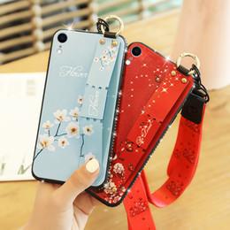 Handgelenkriemen lanyards online-Glitter diamant lanyard telefon case für iphone xs max handschlaufe hand band soft cover für iphone x xr 6s 7 8 plus stehen coque
