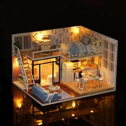 casa in miniatura all'ingrosso diy Sconti vendita all'ingrosso per i bambini casa delle bambole fai da te modello blu assemblato cabina in legno casa delle bambole in miniatura giocattolo festival per bambini regalo creativo mb069