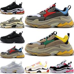 2019 простые белые верхние ботинки 2020 Fashion Paris 17FW Triple-S Кроссовки Triple S Повседневная обувь для пап, для женщин женщин Бежевый черный Ceahp Спортивная обувь Дизайнерская обувь Кроссовки 36-45